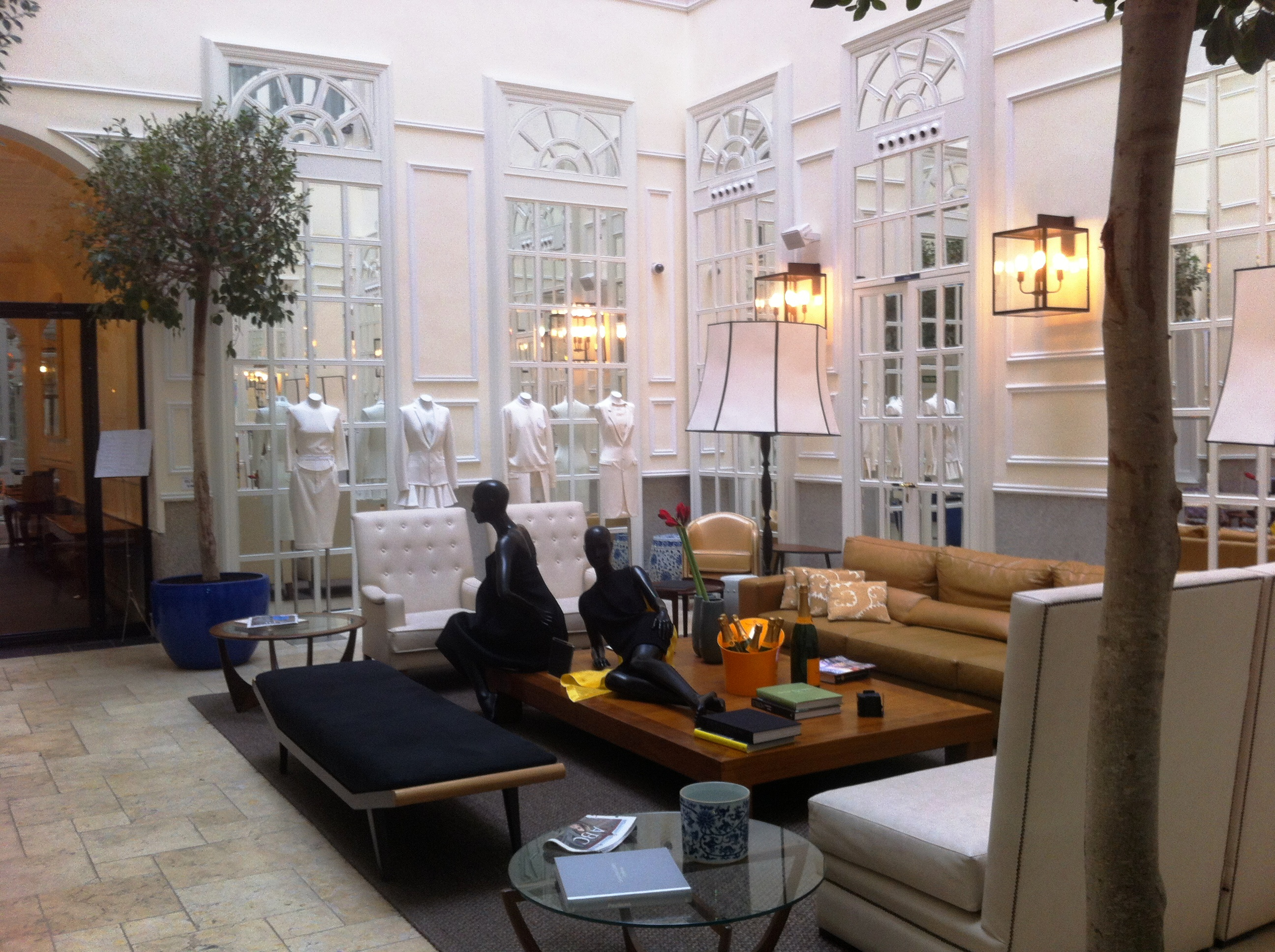 Only you hotel lounge madrid el it hotel garbanzos for Hotel only you madrid